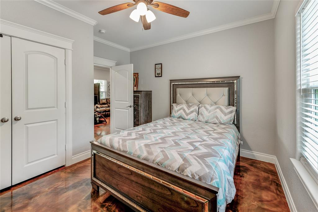 Pending | 6923 Finch Street Houston, Texas 77028 21