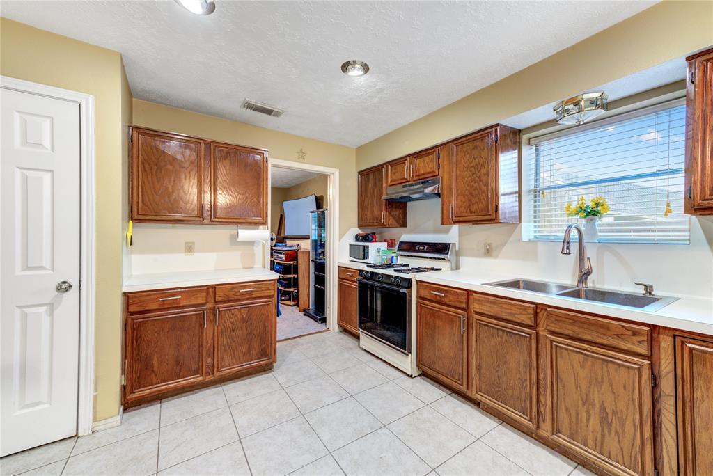 Off Market | 16306 Cobble Springs Court Sugar Land, Texas 77498 14