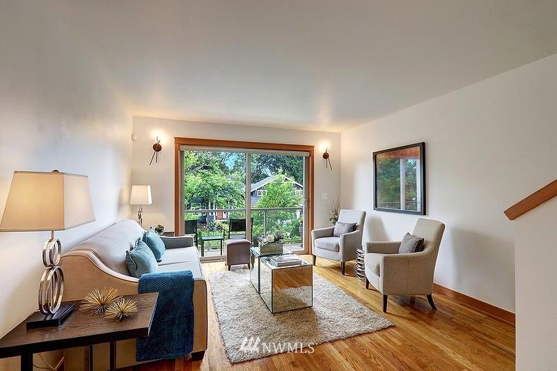 Pending | 2340 44th Avenue SW #B Seattle, WA 98116 1