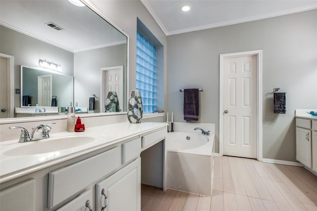 Off Market | 30 Valley Mead Place The Woodlands, Texas 77384 23