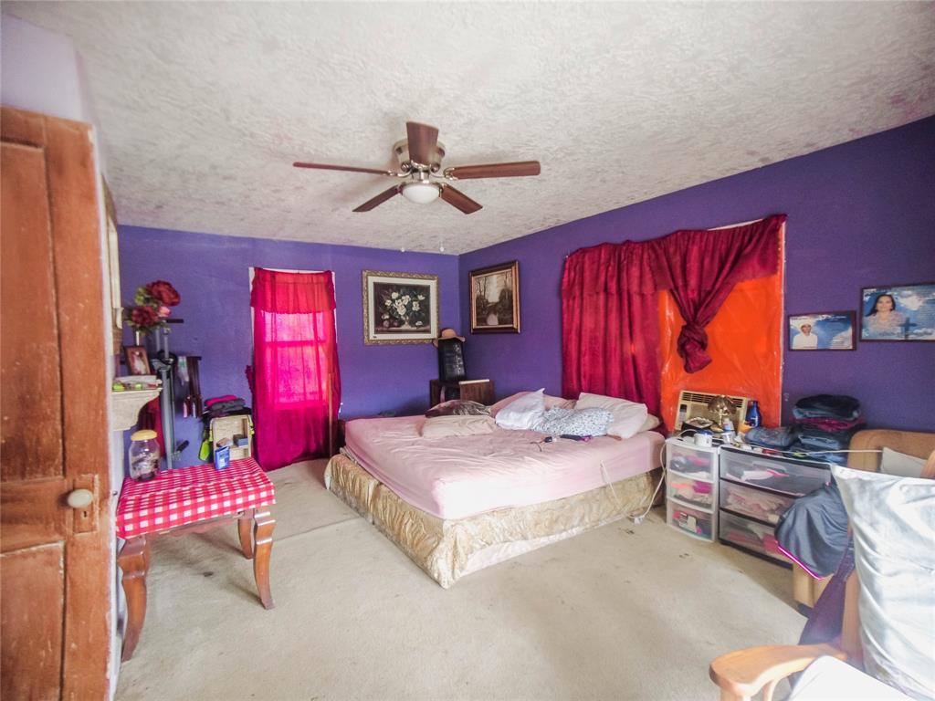 Pending | 1015 Brooks Street Houston, Texas 77009 28