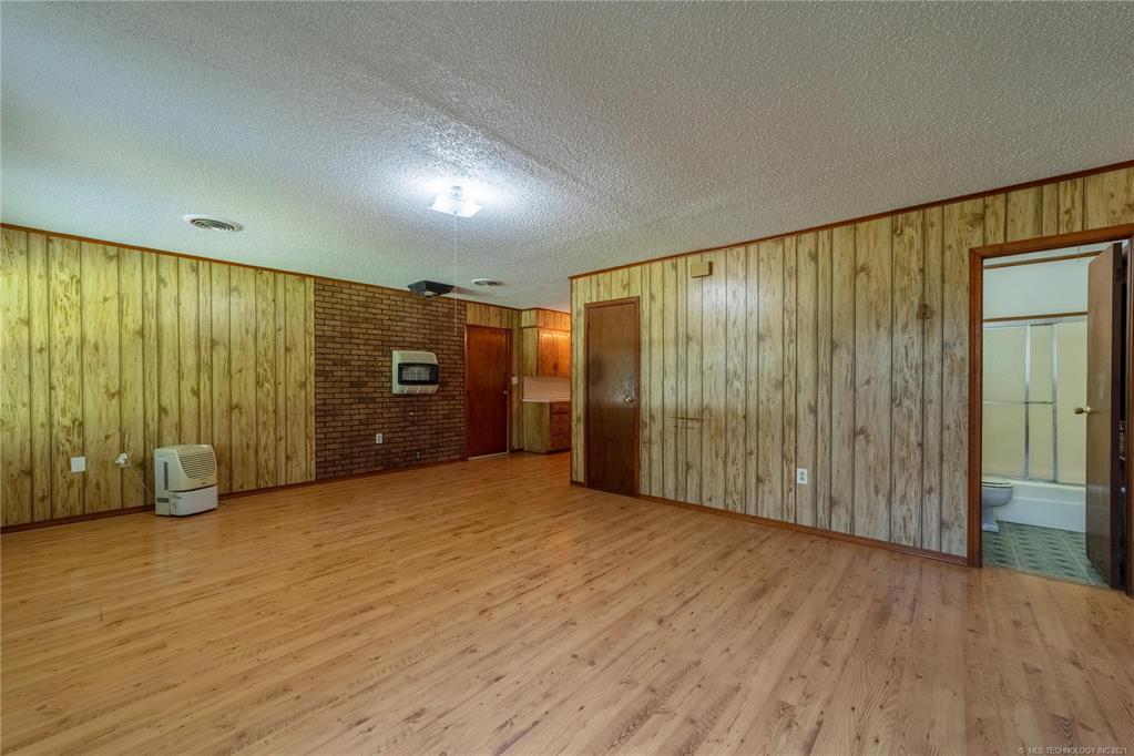 Active | 291 W Mockingbird Lane McAlester, Oklahoma 74501 5