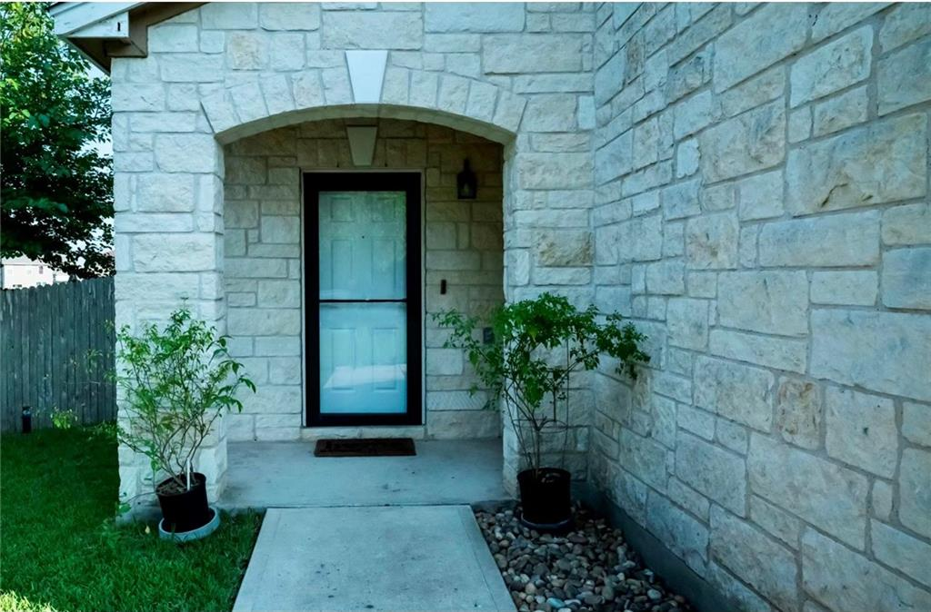Closed   274 Tower Drive Kyle, TX 78640 1