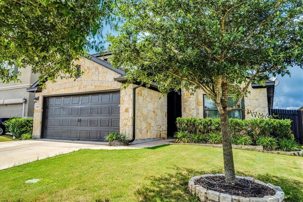 Pending   442 Wincliff Drive Buda, TX 78610 26
