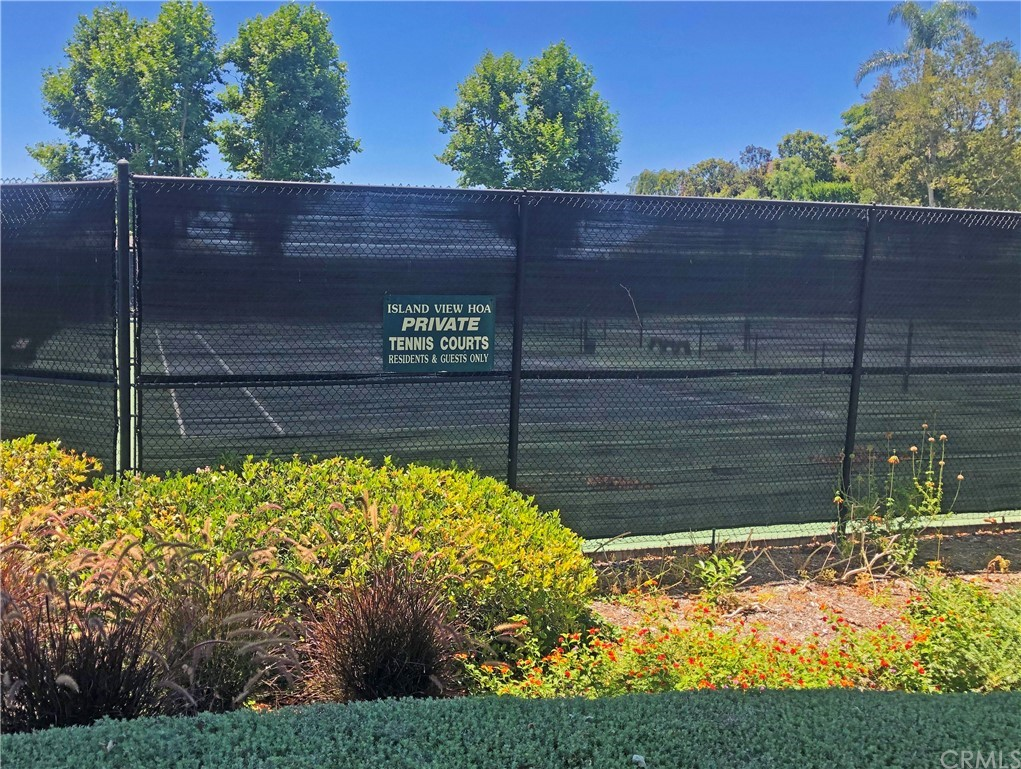 ActiveUnderContract   48 Santa Barbara Drive Rancho Palos Verdes, CA 90275 64