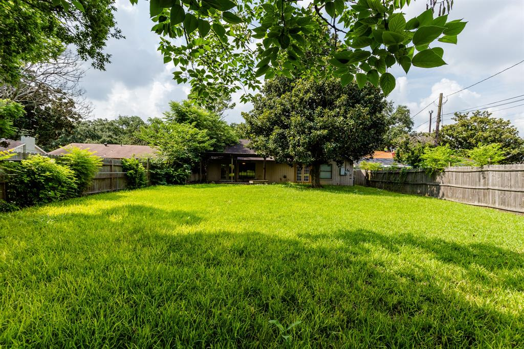 Off Market | 9650 Meadowland Drive Houston, Texas 77063 31