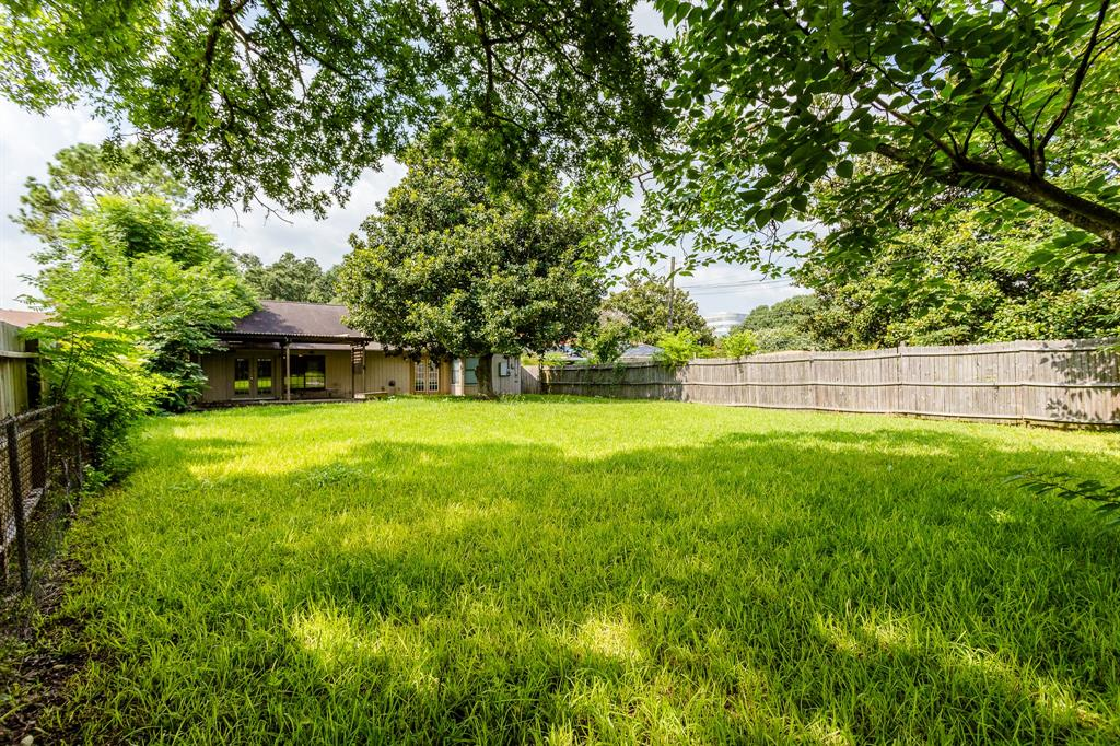 Off Market | 9650 Meadowland Drive Houston, Texas 77063 32