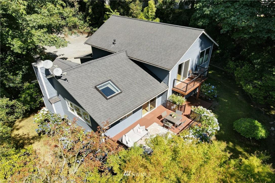 Sold Property | 695 143rd Avenue NE Bellevue, WA 98007 3