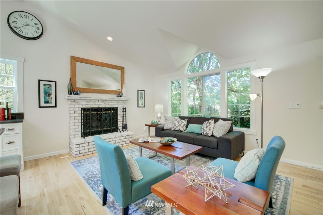 Sold Property | 695 143rd Avenue NE Bellevue, WA 98007 4