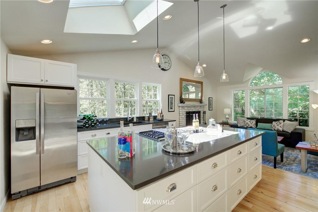 Sold Property | 695 143rd Avenue NE Bellevue, WA 98007 6