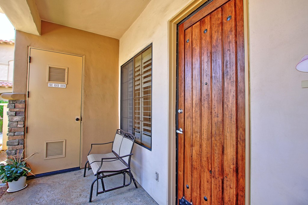 ActiveUnderContract | 50750 Santa Rosa Plz. #3 La Quinta, CA 92253 23