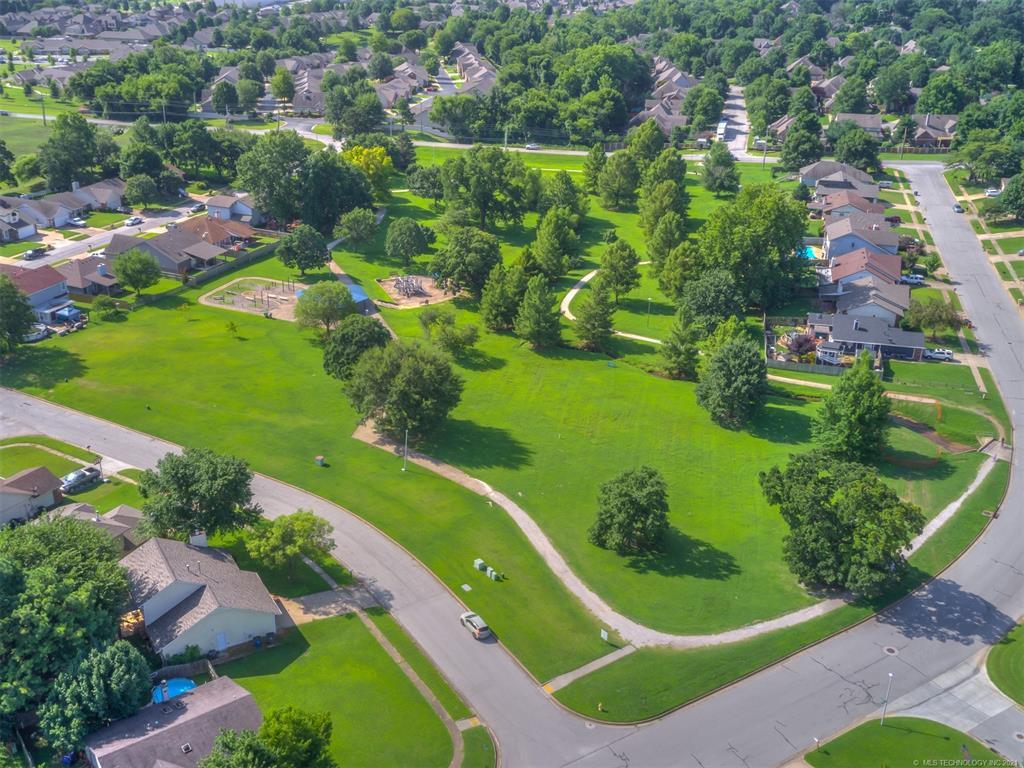 Off Market   8979 E 95th Place Tulsa, Oklahoma 74133 29