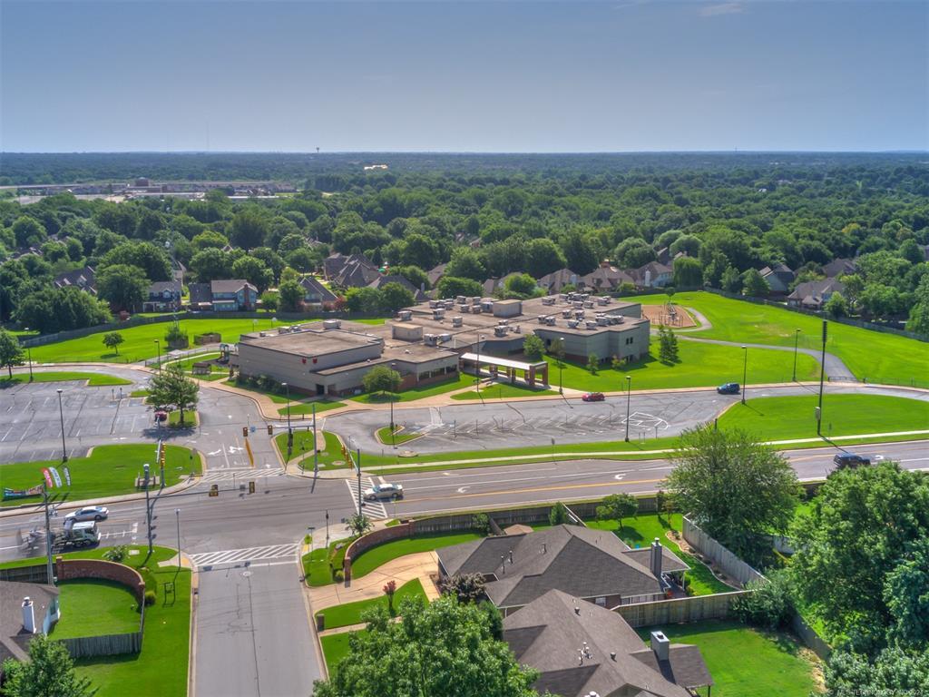 Off Market   8979 E 95th Place Tulsa, Oklahoma 74133 31