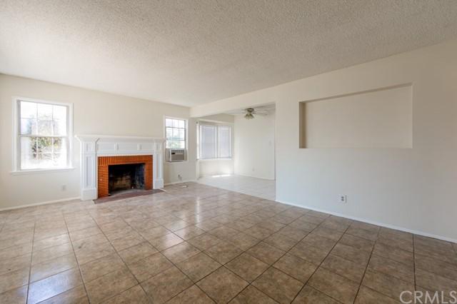 Closed | 12317 Menlo Avenue Hawthorne, CA 90250 1