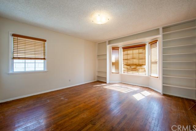 Closed | 12317 Menlo Avenue Hawthorne, CA 90250 3