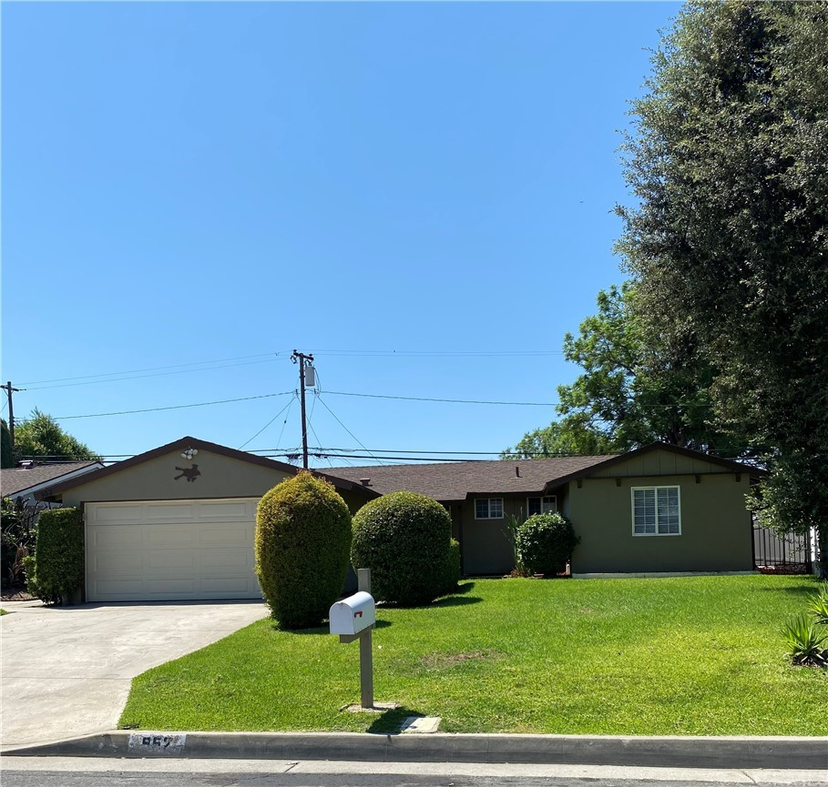 Closed | 952 E Nearfield Street Azusa, CA 91702 1