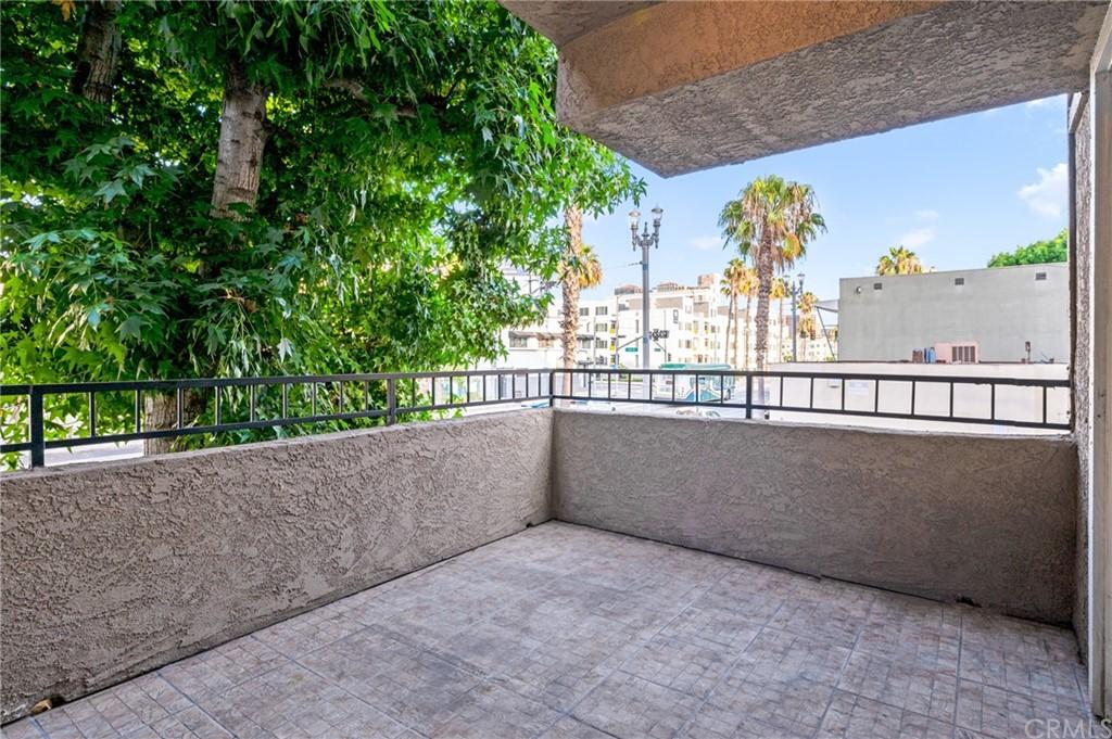 Closed | 645 Pacific Avenue #205 Long Beach, CA 90802 23