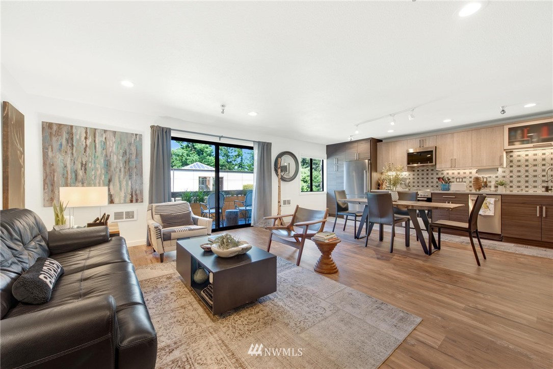 Sold Property   2121 SW 152nd Street #202 Burien, WA 98166 1