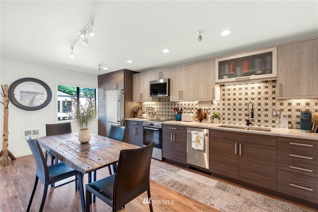 Sold Property   2121 SW 152nd Street #202 Burien, WA 98166 4