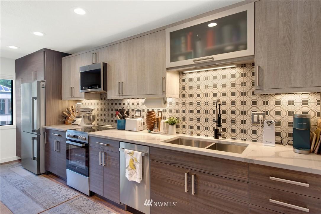 Sold Property   2121 SW 152nd Street #202 Burien, WA 98166 5
