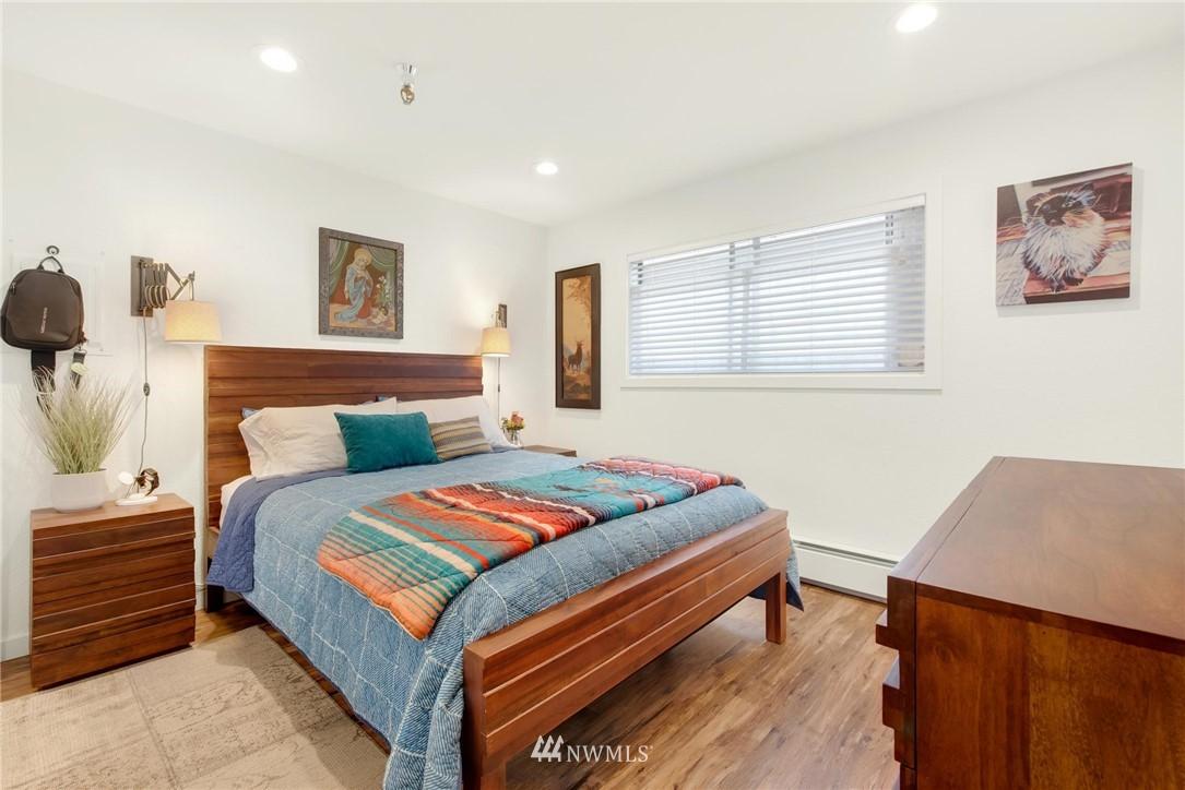 Sold Property   2121 SW 152nd Street #202 Burien, WA 98166 9