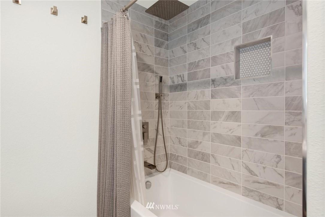 Sold Property   2121 SW 152nd Street #202 Burien, WA 98166 11