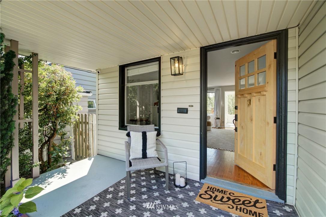 Sold Property | 2611 31st Avenue W Seattle, WA 98199 1