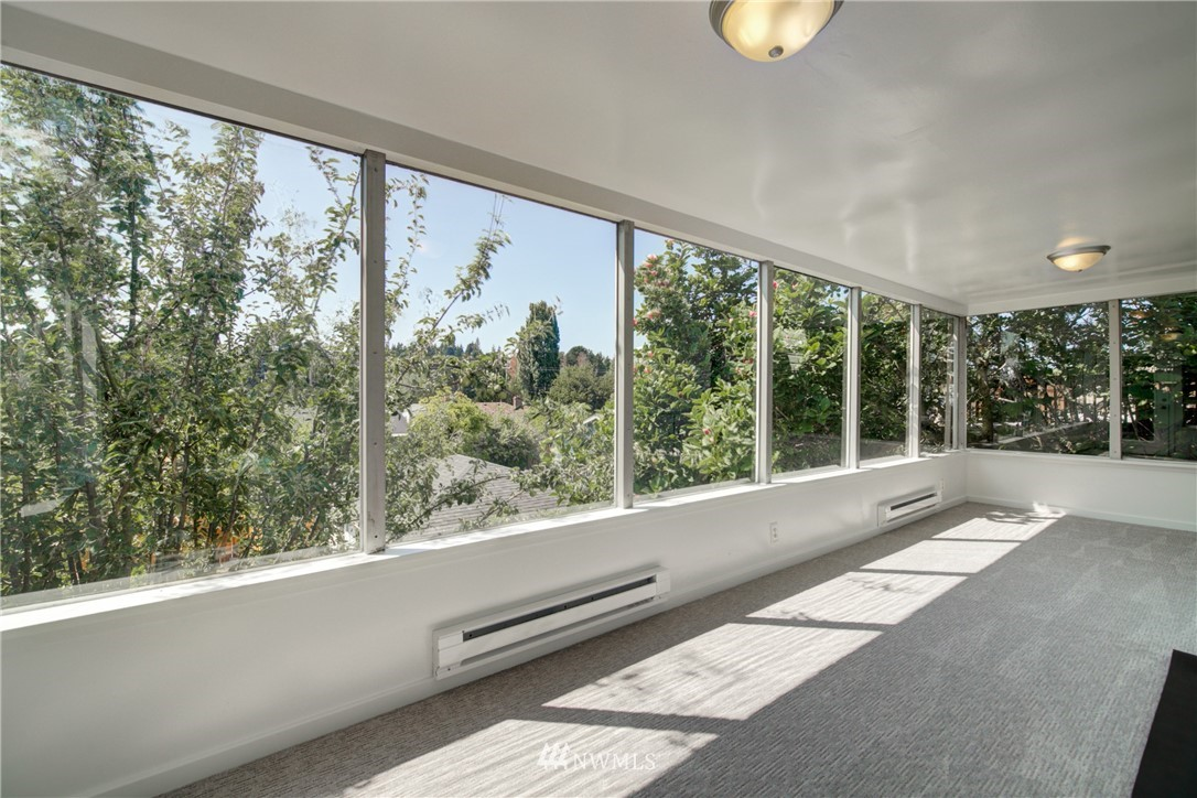 Sold Property | 2611 31st Avenue W Seattle, WA 98199 4