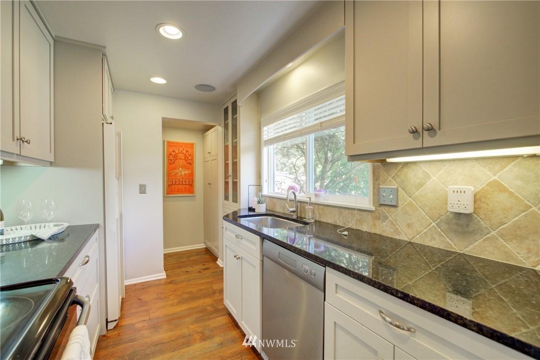 Sold Property | 2611 31st Avenue W Seattle, WA 98199 7