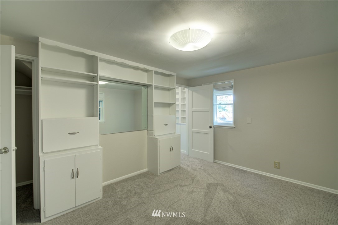 Sold Property | 2611 31st Avenue W Seattle, WA 98199 12