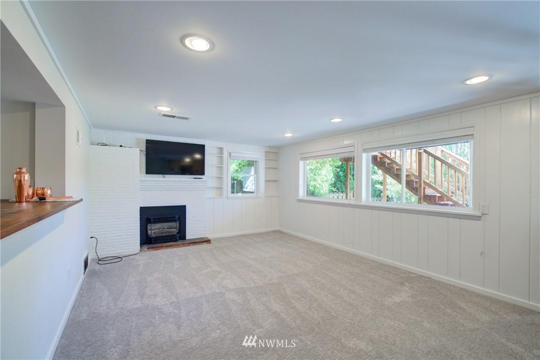 Sold Property | 2611 31st Avenue W Seattle, WA 98199 14