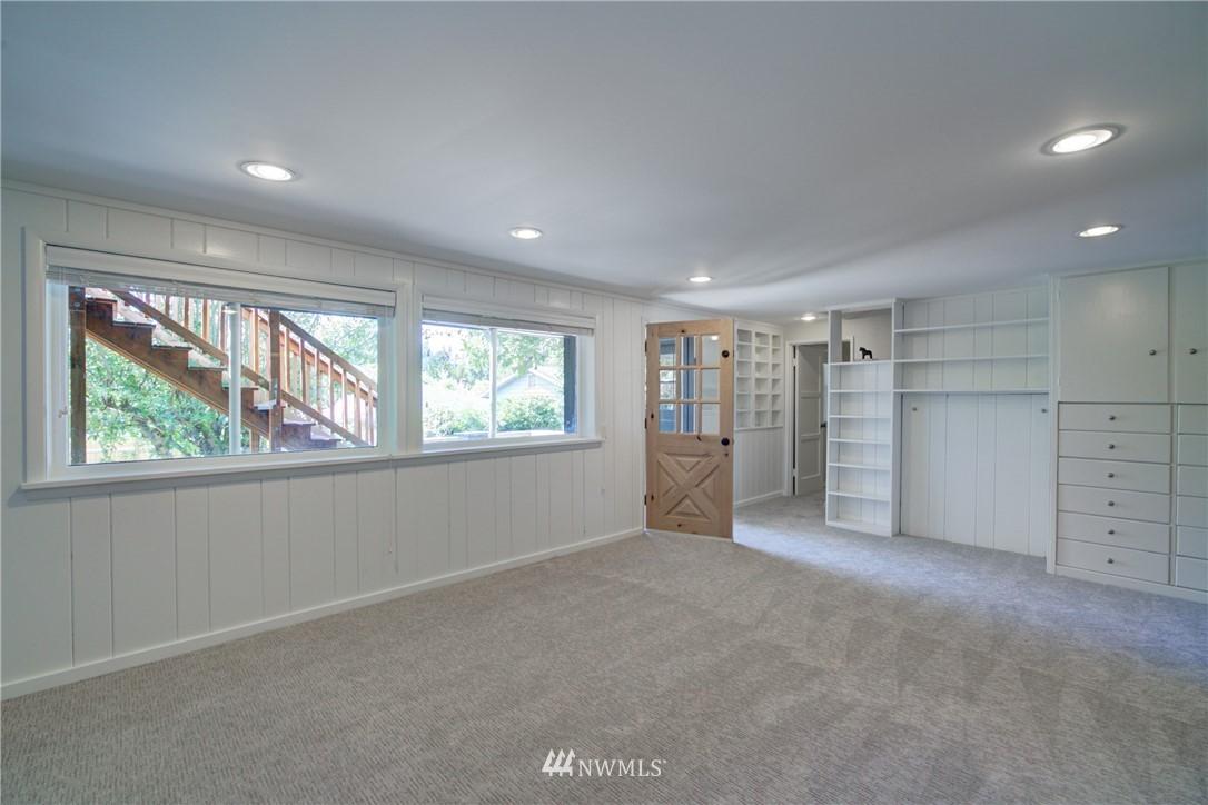 Sold Property | 2611 31st Avenue W Seattle, WA 98199 13