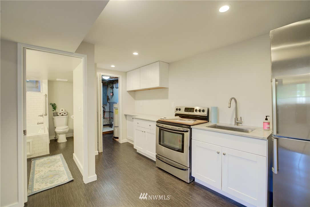 Sold Property | 2611 31st Avenue W Seattle, WA 98199 16