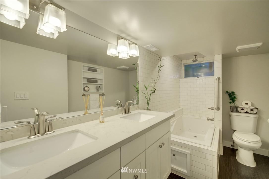 Sold Property | 2611 31st Avenue W Seattle, WA 98199 17