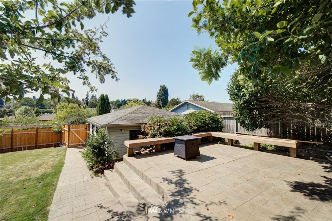 Sold Property | 2611 31st Avenue W Seattle, WA 98199 18