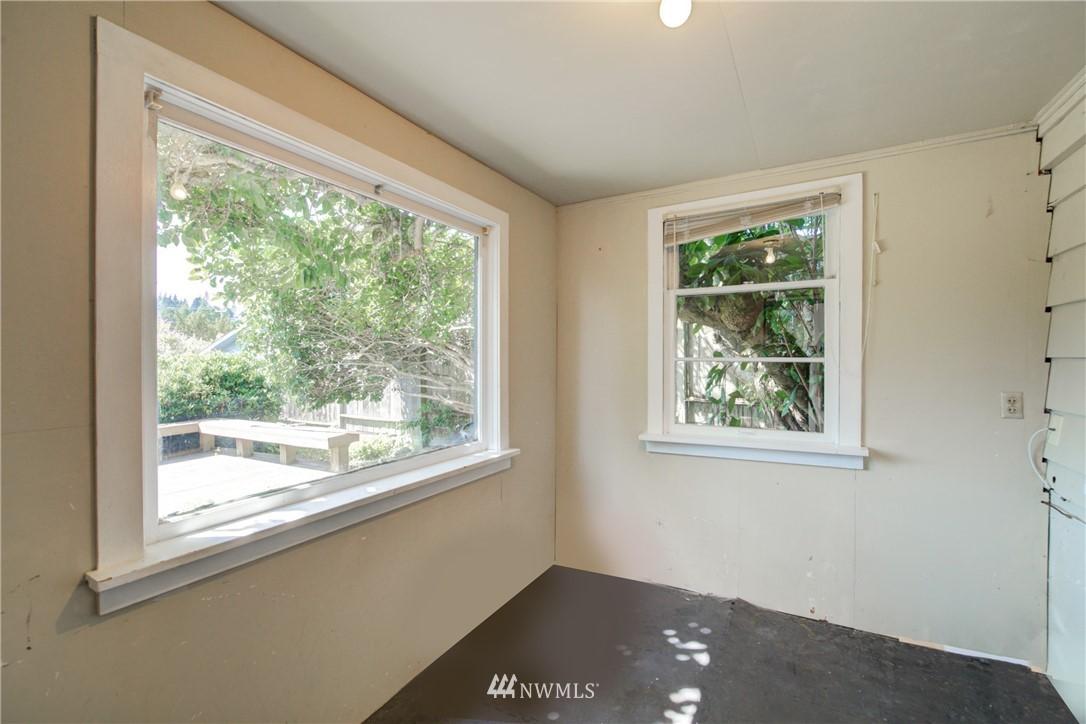 Sold Property | 2611 31st Avenue W Seattle, WA 98199 22