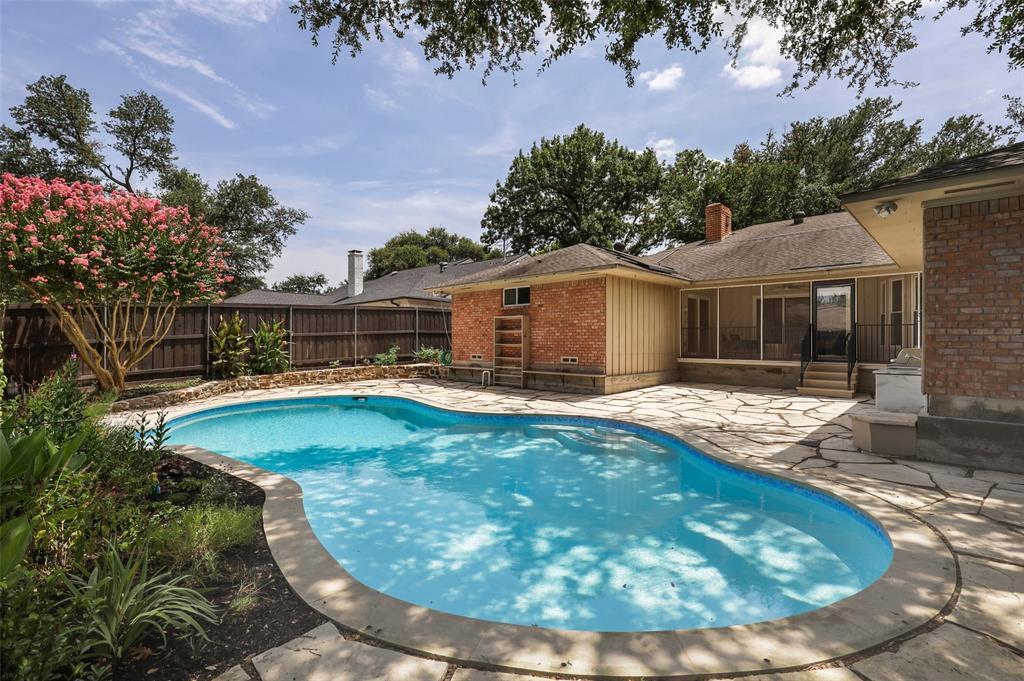 Pending | 7507 Cliffbrook Drive Dallas, Texas 75254 34
