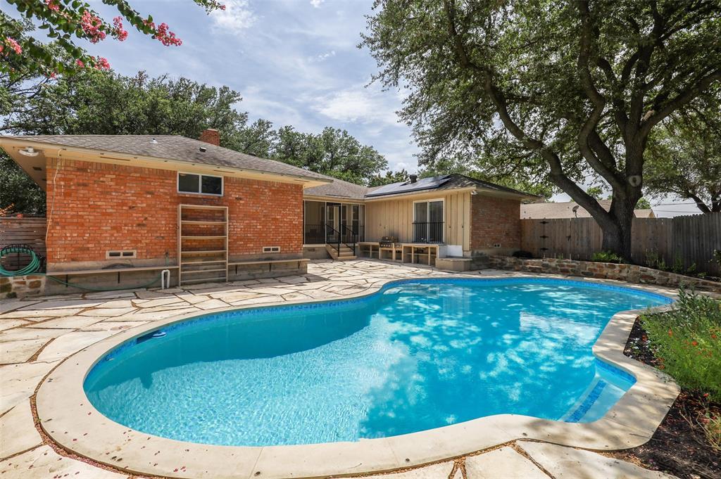 Pending | 7507 Cliffbrook Drive Dallas, Texas 75254 35