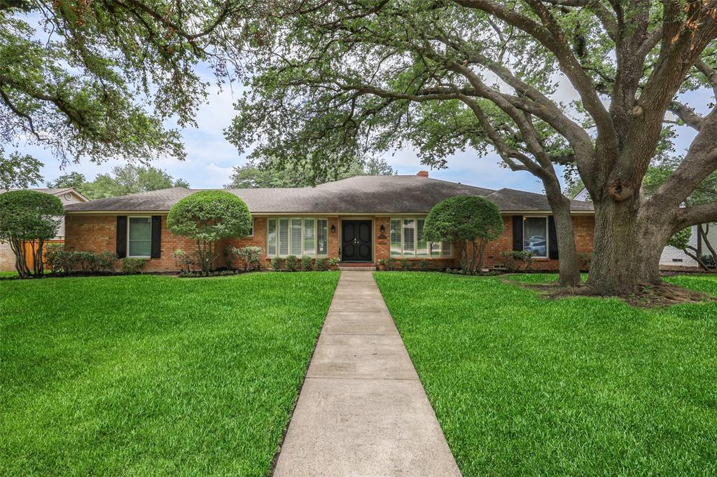 Pending | 7507 Cliffbrook Drive Dallas, Texas 75254 40