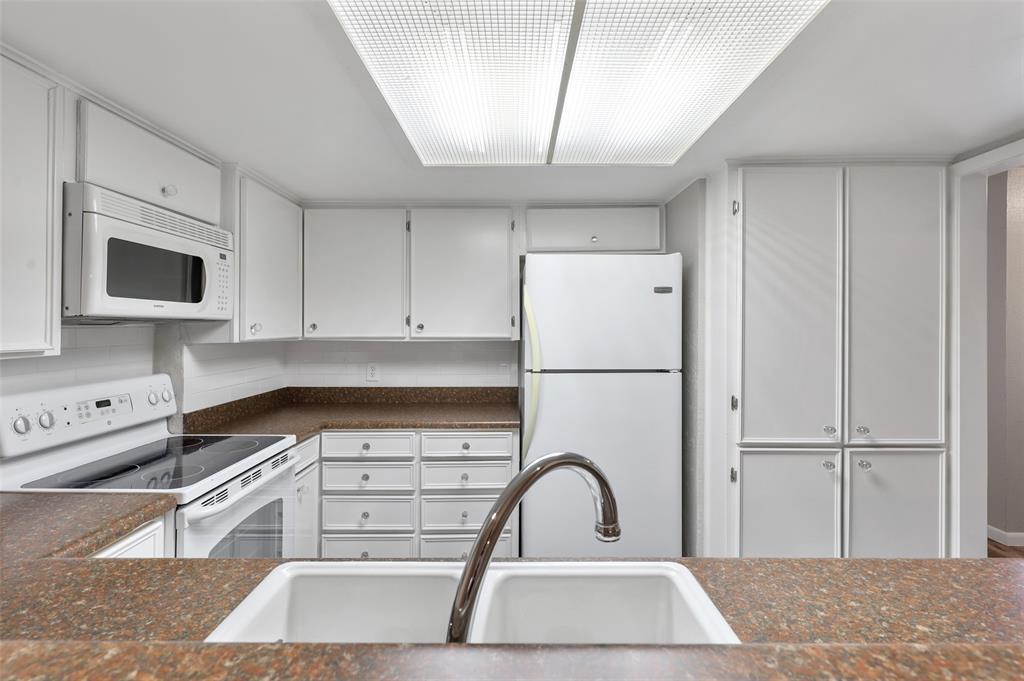 Sold Property | 2301 Mistletoe Drive Fort Worth, Texas 76110 13