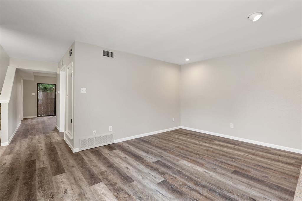 Sold Property | 2301 Mistletoe Drive Fort Worth, Texas 76110 7