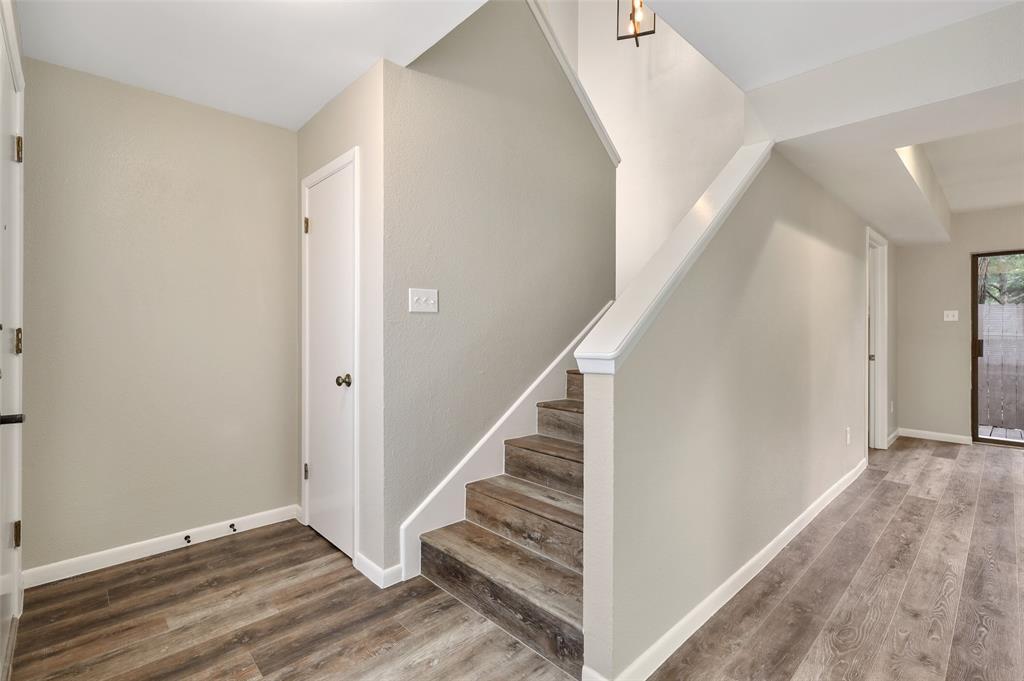 Sold Property | 2301 Mistletoe Drive Fort Worth, Texas 76110 8