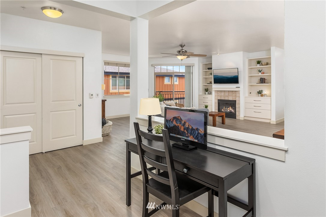 Sold Property | 15700 116th Avenue NE #401 Bothell, WA 98011 8