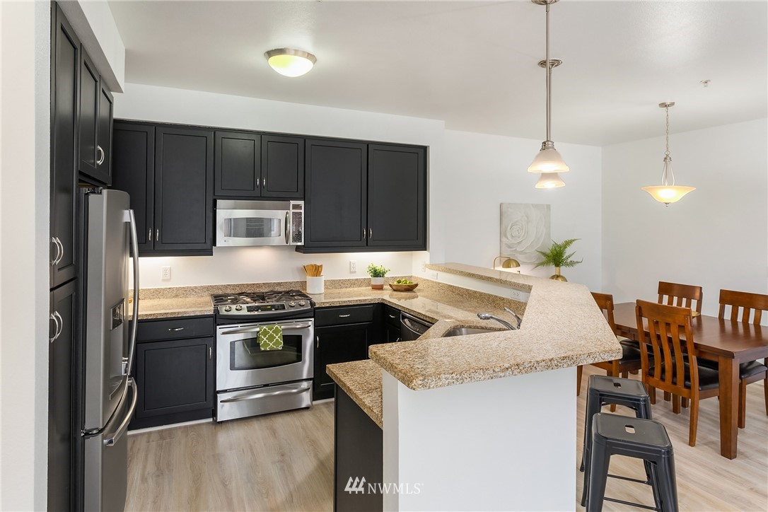 Sold Property | 15700 116th Avenue NE #401 Bothell, WA 98011 11