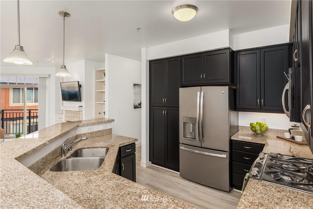 Sold Property | 15700 116th Avenue NE #401 Bothell, WA 98011 12