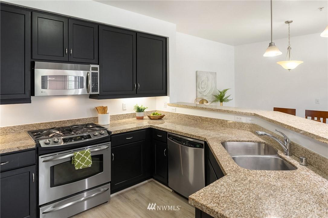 Sold Property | 15700 116th Avenue NE #401 Bothell, WA 98011 14