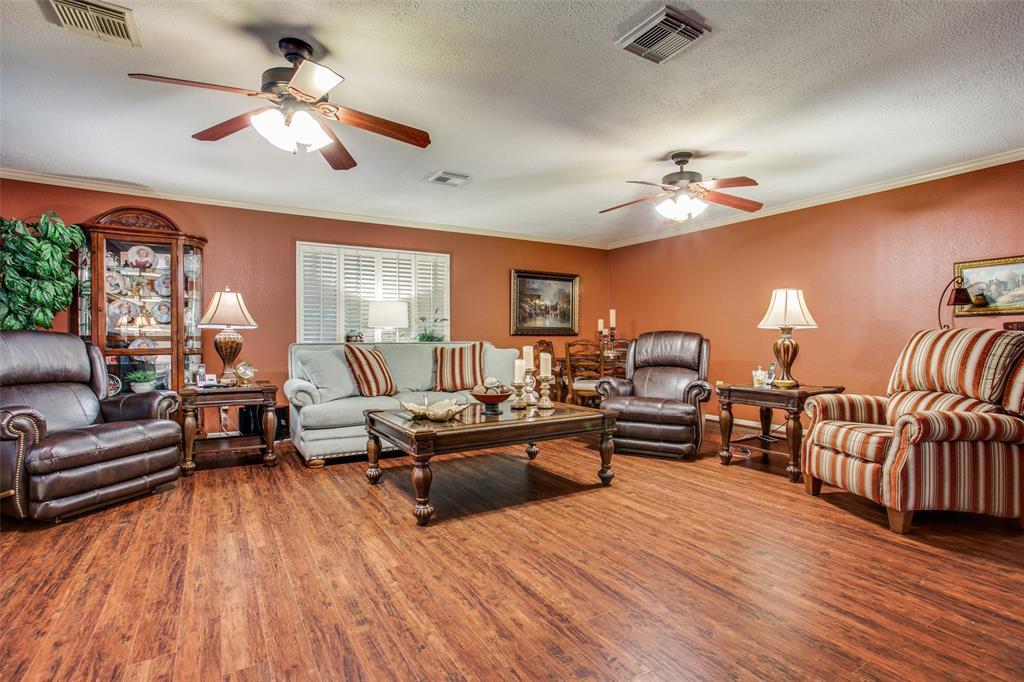 Active | 4409 Avenue J Santa Fe, Texas 77510 3