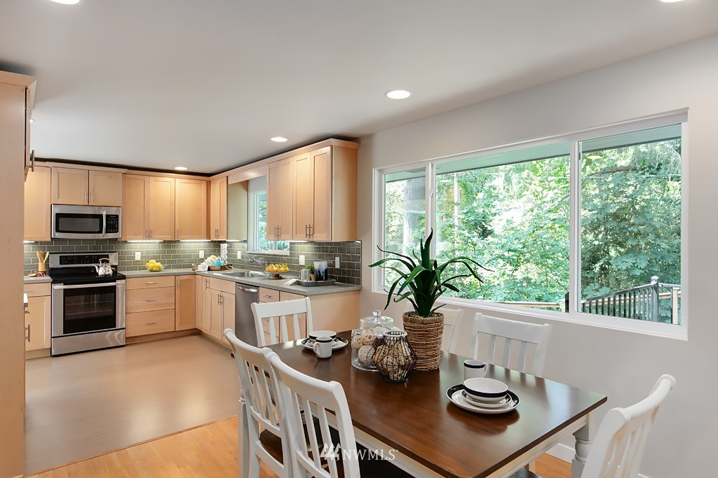 Sold Property | 12341 25th Avenue NE Seattle, WA 98125 6
