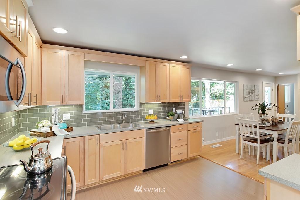Sold Property | 12341 25th Avenue NE Seattle, WA 98125 7