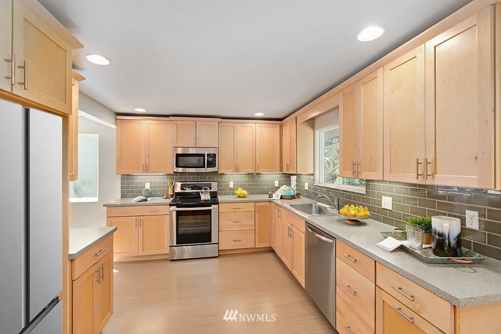 Sold Property | 12341 25th Avenue NE Seattle, WA 98125 8
